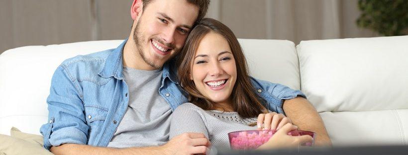 同棲中の彼氏をドキドキさせるには?可愛い彼女でいるための注意点や事前の準備とは?