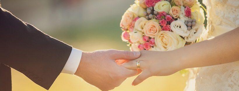 遠距離恋愛からの結婚!手続きが面倒?新婚1ヶ月の今の気持ちを語ります!