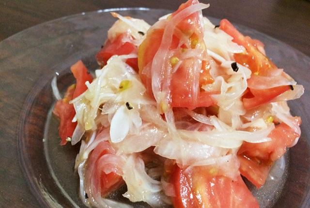 トマトと新玉ねぎのマリネ