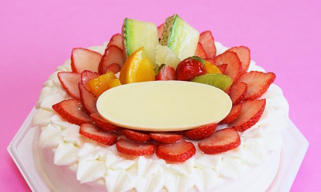 お食い初めのお祝いケーキのプレートの文字はどうする?