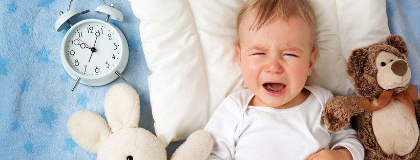 生後3ヶ月の赤ちゃんが1時間おきで夜起きる!授乳以外で起こさないで...!