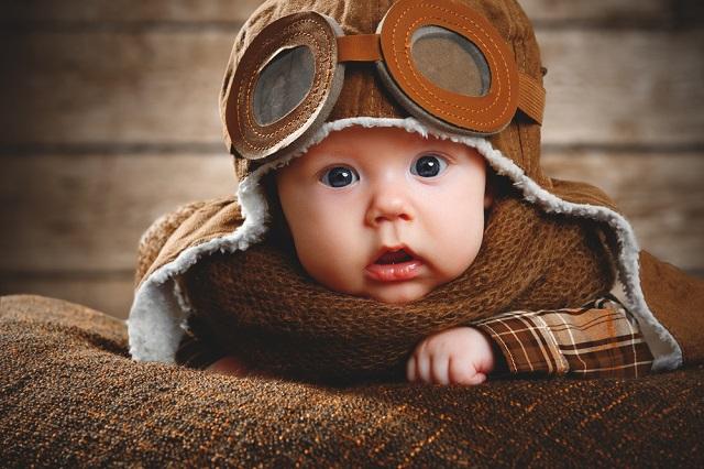 赤ちゃんが飛行機内で泣いた場合の対策!