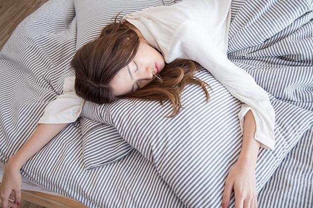 生後5ヶ月赤ちゃんが夜3時間寝てくれるためにとった対策!